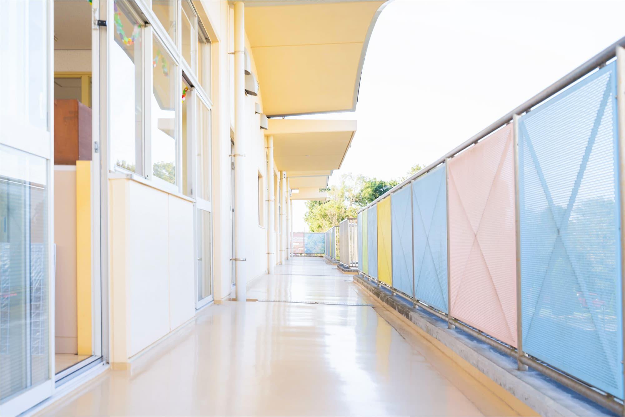 広々とした外廊下