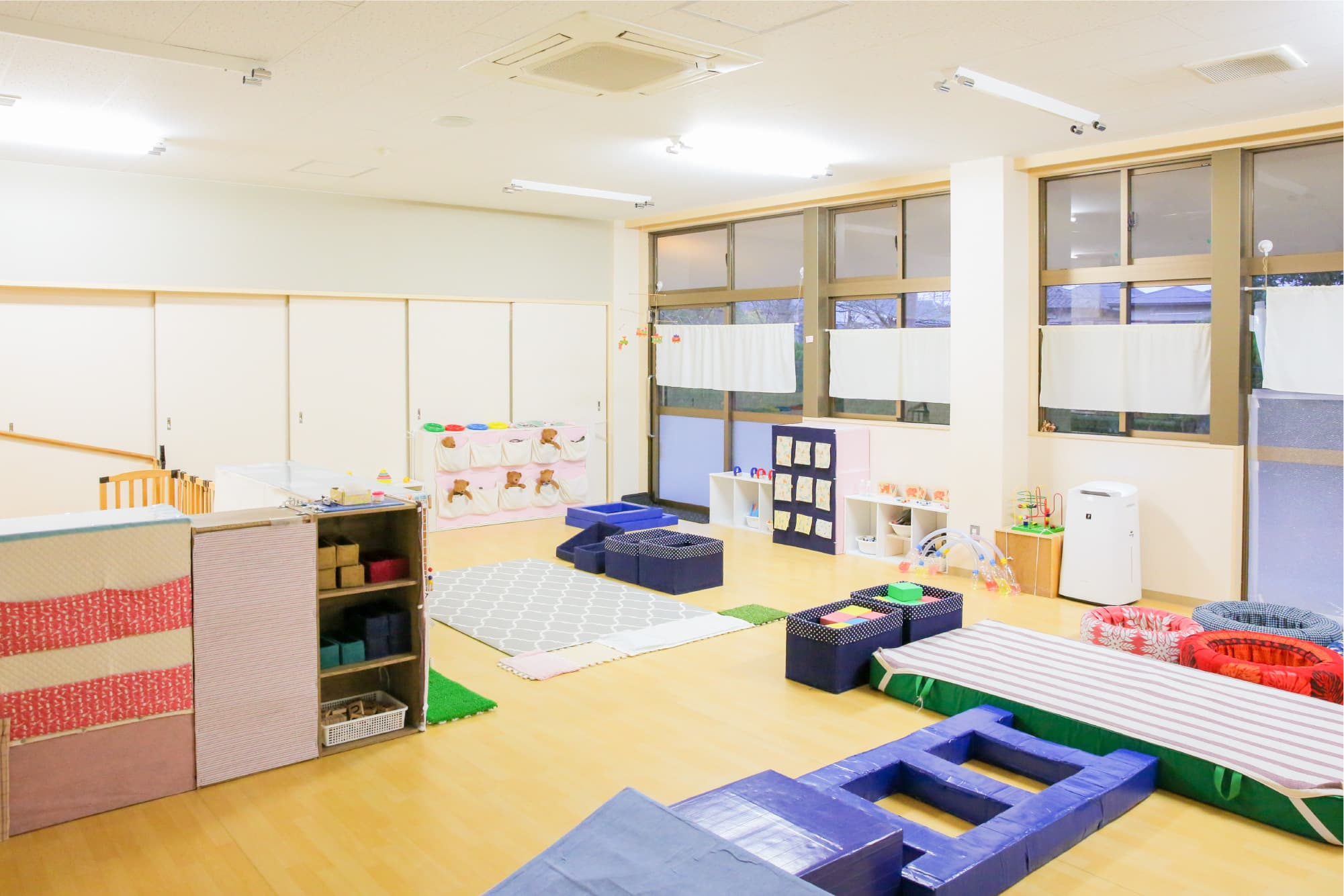 夢中で遊べる仕掛けがたくさん詰まった保育室(保育園)